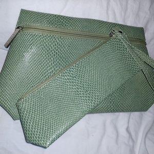 Clinique Cosmetic Bag Set